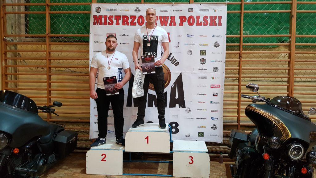 Mistrzostwa Poski MMA 2018 podium Łukasz Stępiń