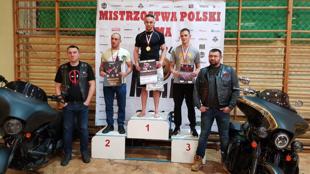 Mistrzostwa Poski MMA 2018 podium Adam Wiewiór